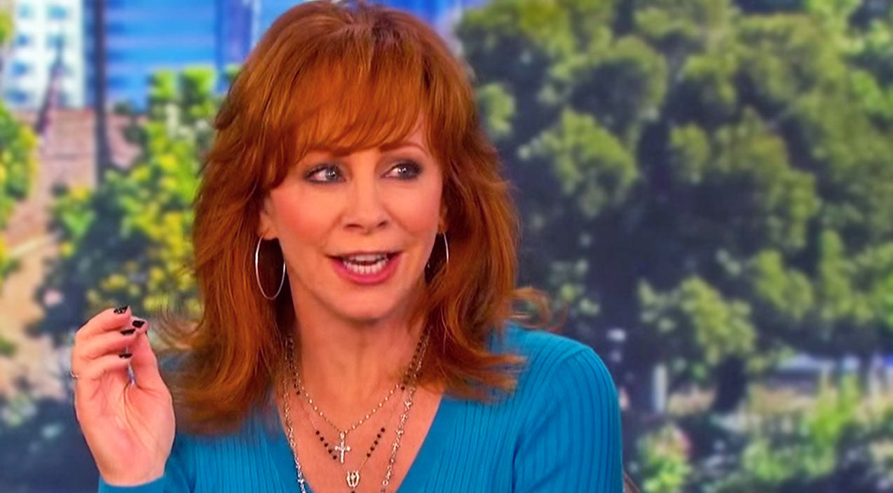 Reba mcentire Songs | Reba McEntire Co-Hosts 'The Talk', Admits She Wants A Reba-Lookalike Doll | Country Music Videos