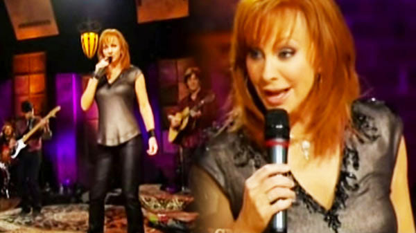 Reba mcentire Songs | Reba McEntire - The Night The Lights Went Out In Georgia (Live) (WATCH) | Country Music Videos