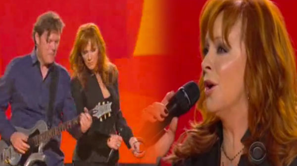 Reba mcentire Songs | Reba McEntire - When Love Gets a Hold of You (LIVE) (VIDEO) | Country Music Videos