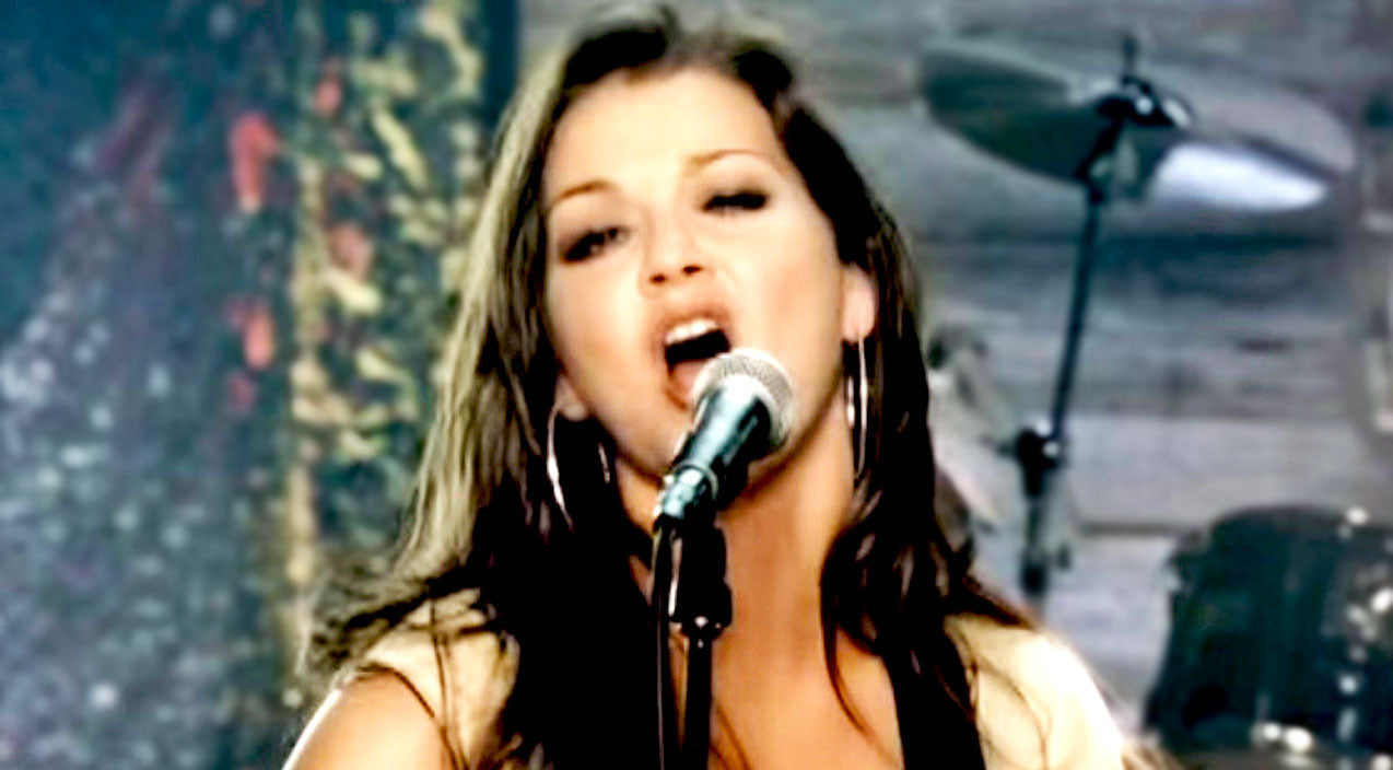 Modern country Songs | Gretchen Wilson Makes Mighty Debut With Country Girl Anthem 'Redneck Woman' | Country Music Videos