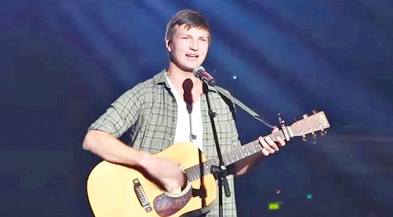 Reed robertson Songs | Reed Robertson Amazes With Beautiful Rendition Of