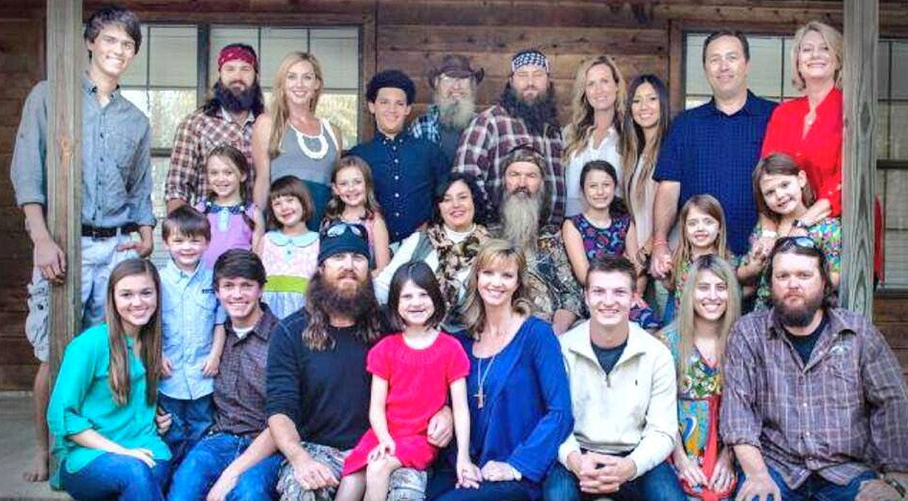 Willie robertson Songs | 'Duck Dynasty' Crew Member Reveals His True Feelings About Robertson Family | Country Music Videos