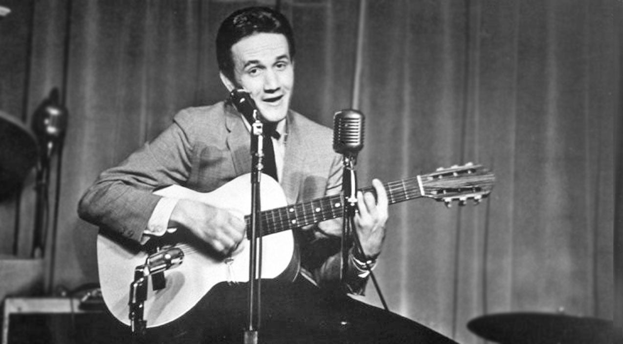 Roger miller Songs | Roger Miller Hilariously Delivers Laugh 'Til You Cry Performance Of 'Dang Me' | Country Music Videos
