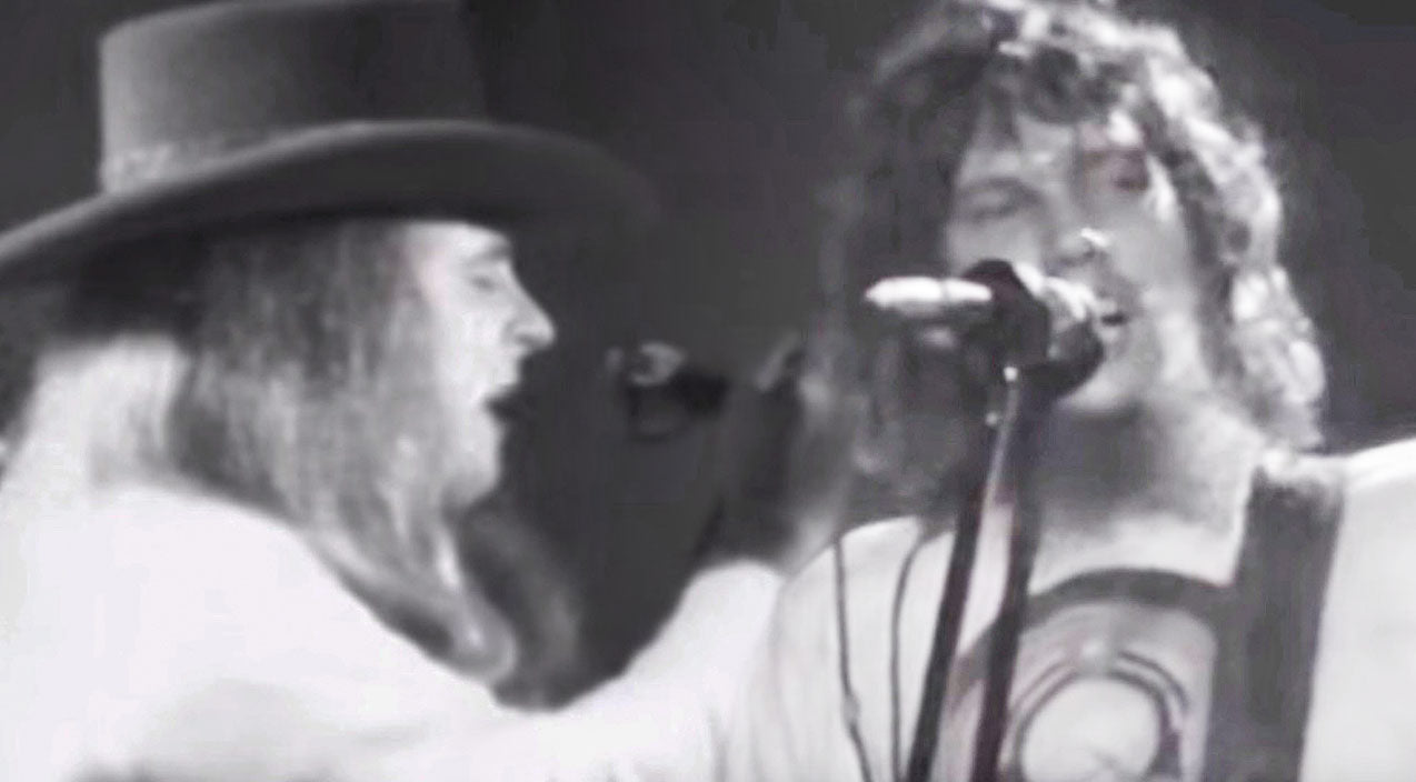 Steve gaines Songs | Ronnie Van Zant & Steve Gaines Lead The Charge In Epic Performance Of 'You Got That Right' | Country Music Videos