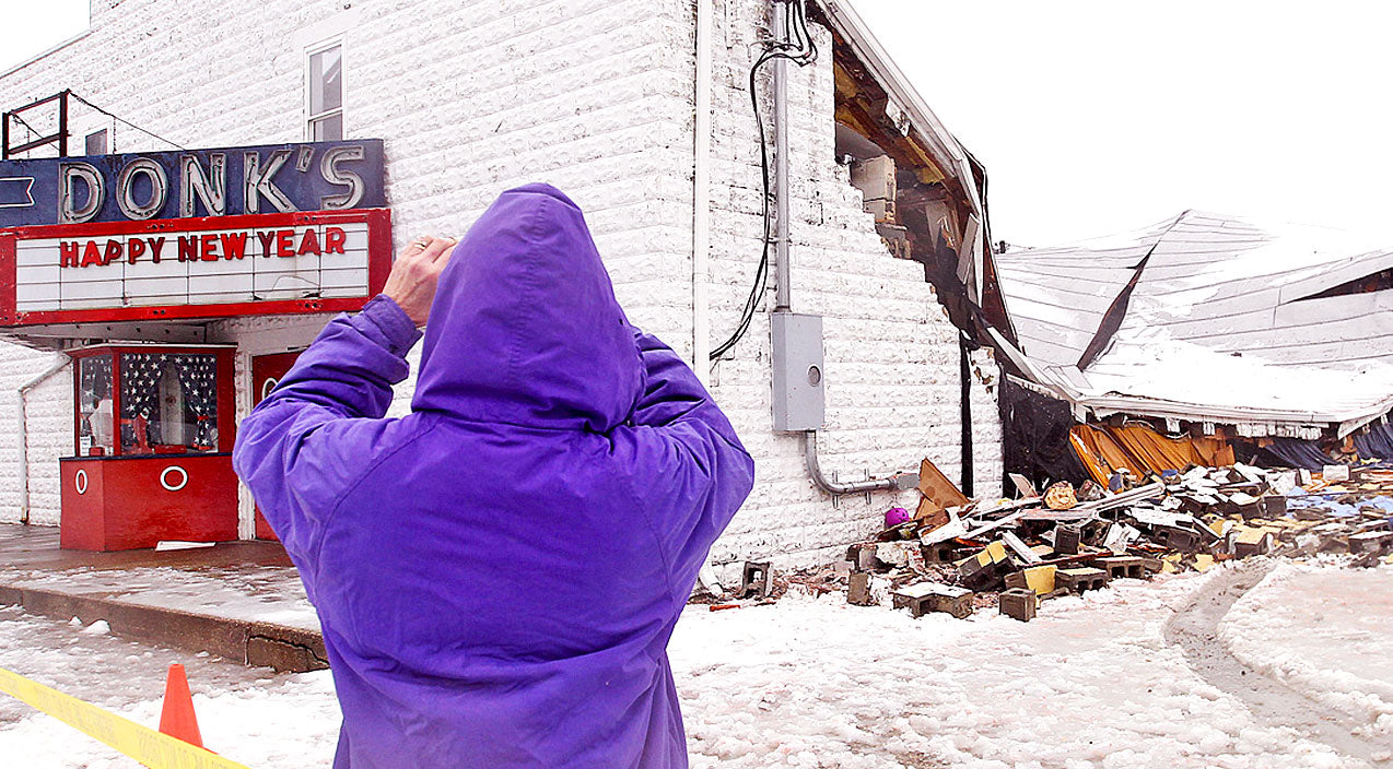 Roof Collapses At Historic 'Lil Ole Opry' Theater | Country Music Videos