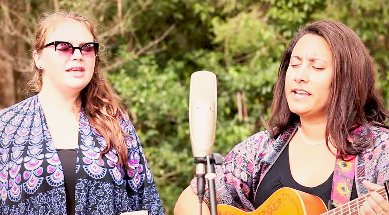 Classic country Songs | 'Will The Circle Be Unbroken?' Gets A Bluegrass Makeover, And It's Simply Lovely | Country Music Videos