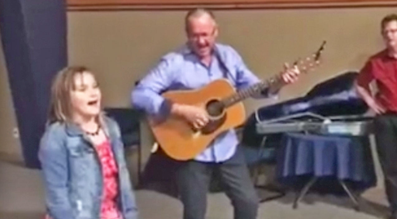 Classic country Songs | 9-Year-Old Girl Will Knock Your Socks Off With Impromptu 'Will The Circle Be Unbroken' Performance | Country Music Videos