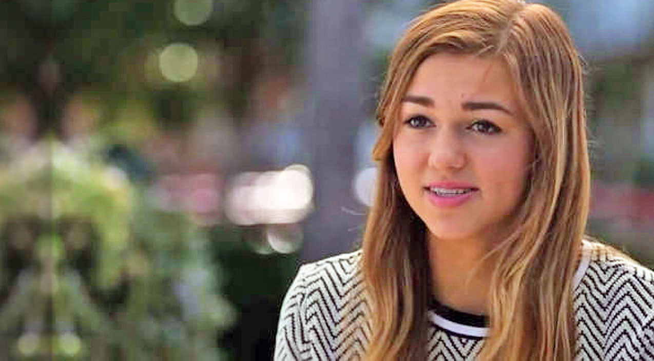 Sadie robertson Songs | Sadie Robertson Asks For Our Prayers | Country Music Videos