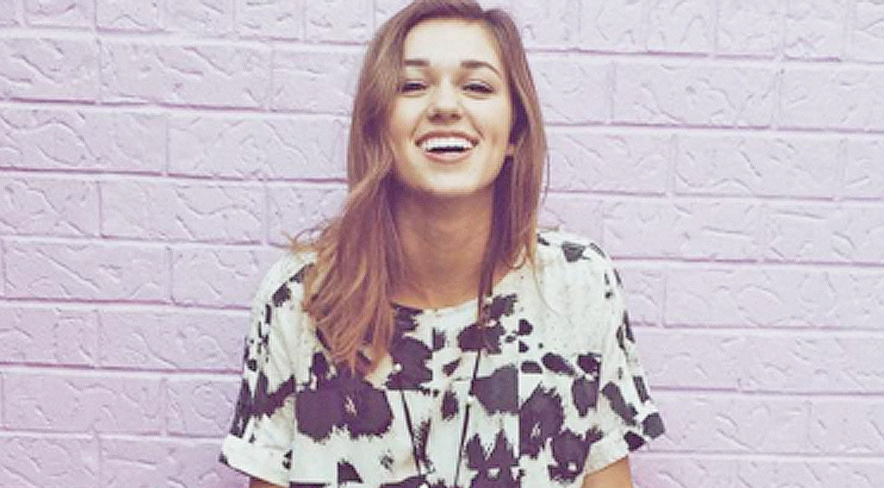 Sadie robertson Songs   Sadie Robertson Shares Adorable  Cuddle-rific Photo From Childhood   Country Music Videos