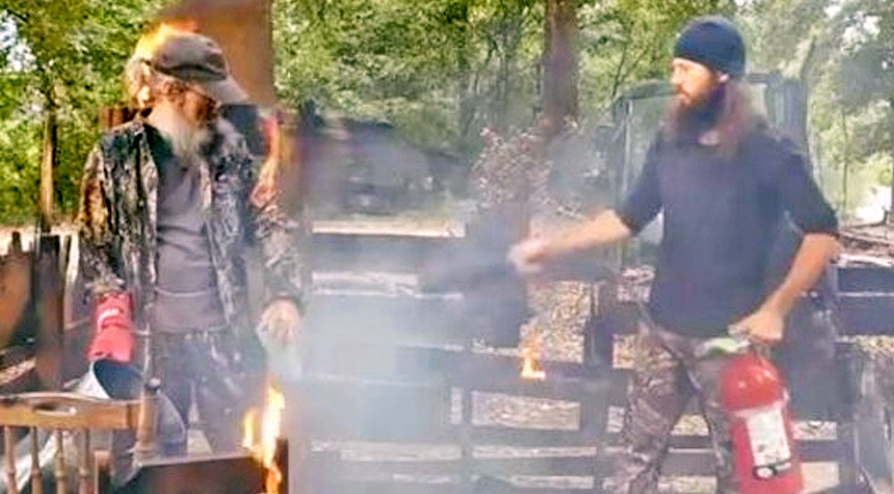 Si robertson Songs | Uncle Si & Jase Robertson Share Hilarious Safety Tips For Deep Frying A Turkey | Country Music Videos