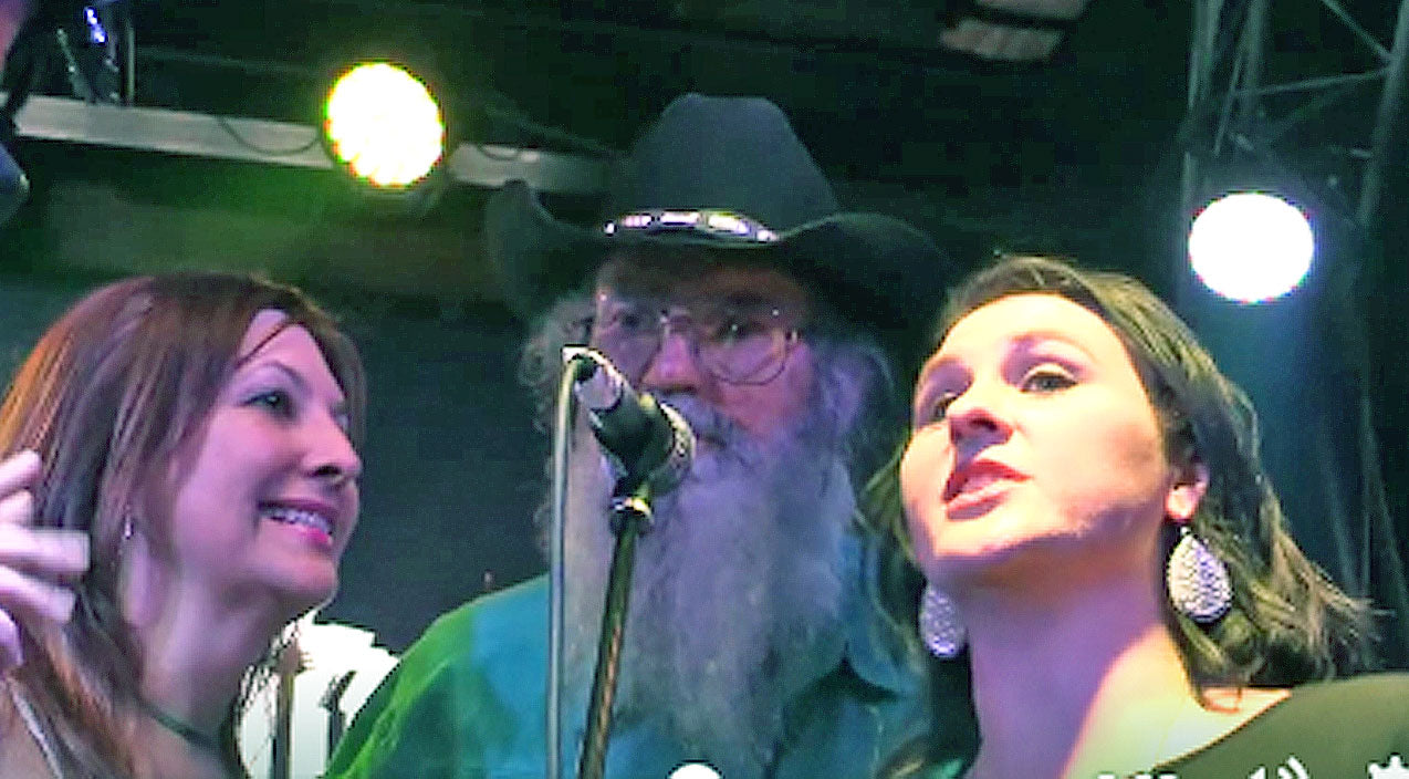 Si robertson Songs | Uncle Si & His Daughter-In-Law Bring The House Down With Rockin' Performance | Country Music Videos
