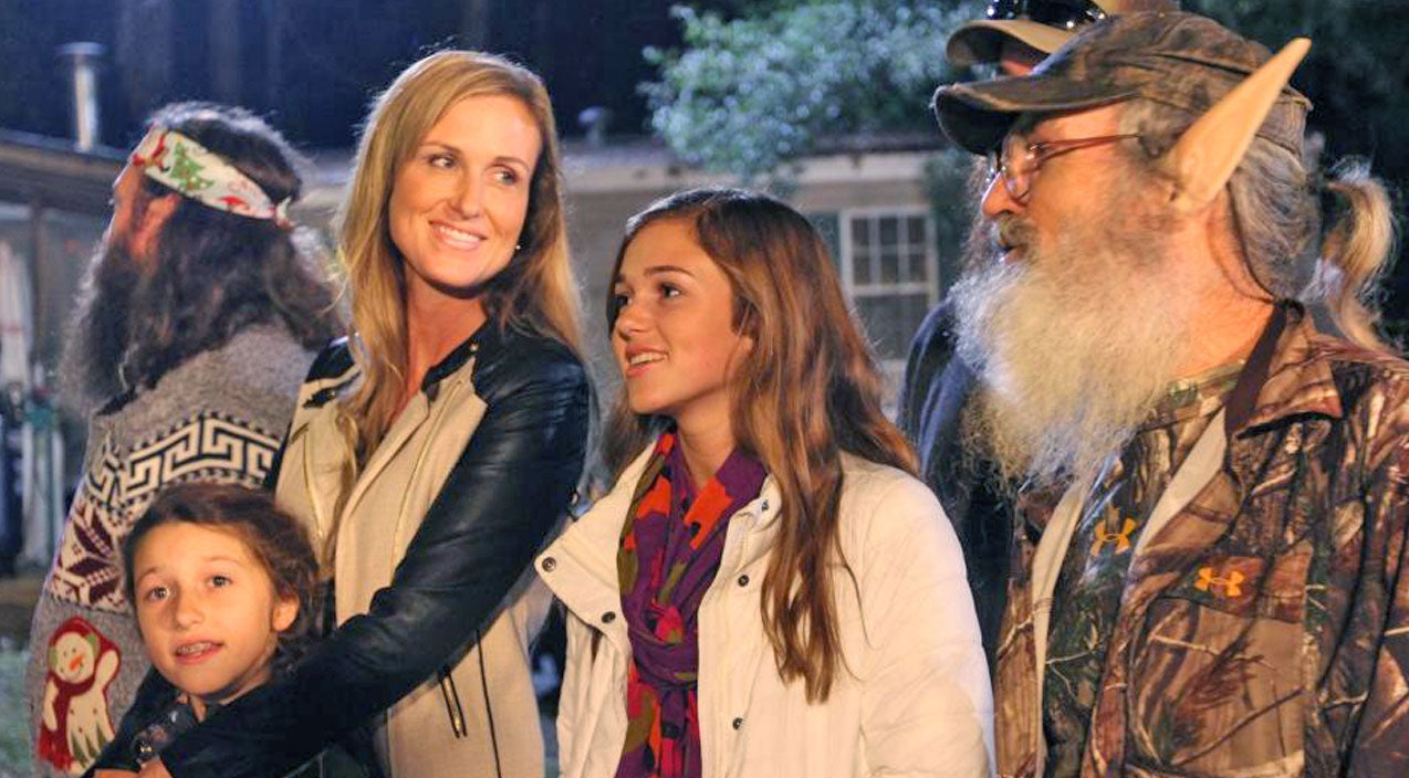 Duck dynasty Songs | 'Duck Dynasty' Family Sings Touching Rendition of 'Silent Night' | Country Music Videos