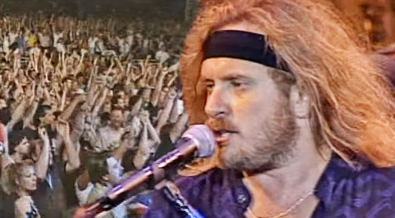 Lynyrd skynyrd Songs | 'Lyve From Steel Town': Lynyrd Skynyrd Riles Up The Crowd With Fiery Performance Of 'That Smell' | Country Music Videos