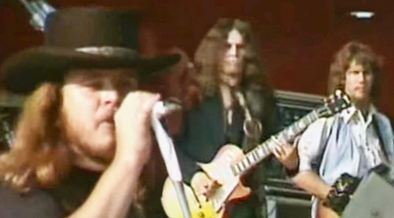 Lynyrd skynyrd Songs | The Year? 1976. The Song? 'Travelin' Man.' The Result? One History-Making Performance | Country Music Videos