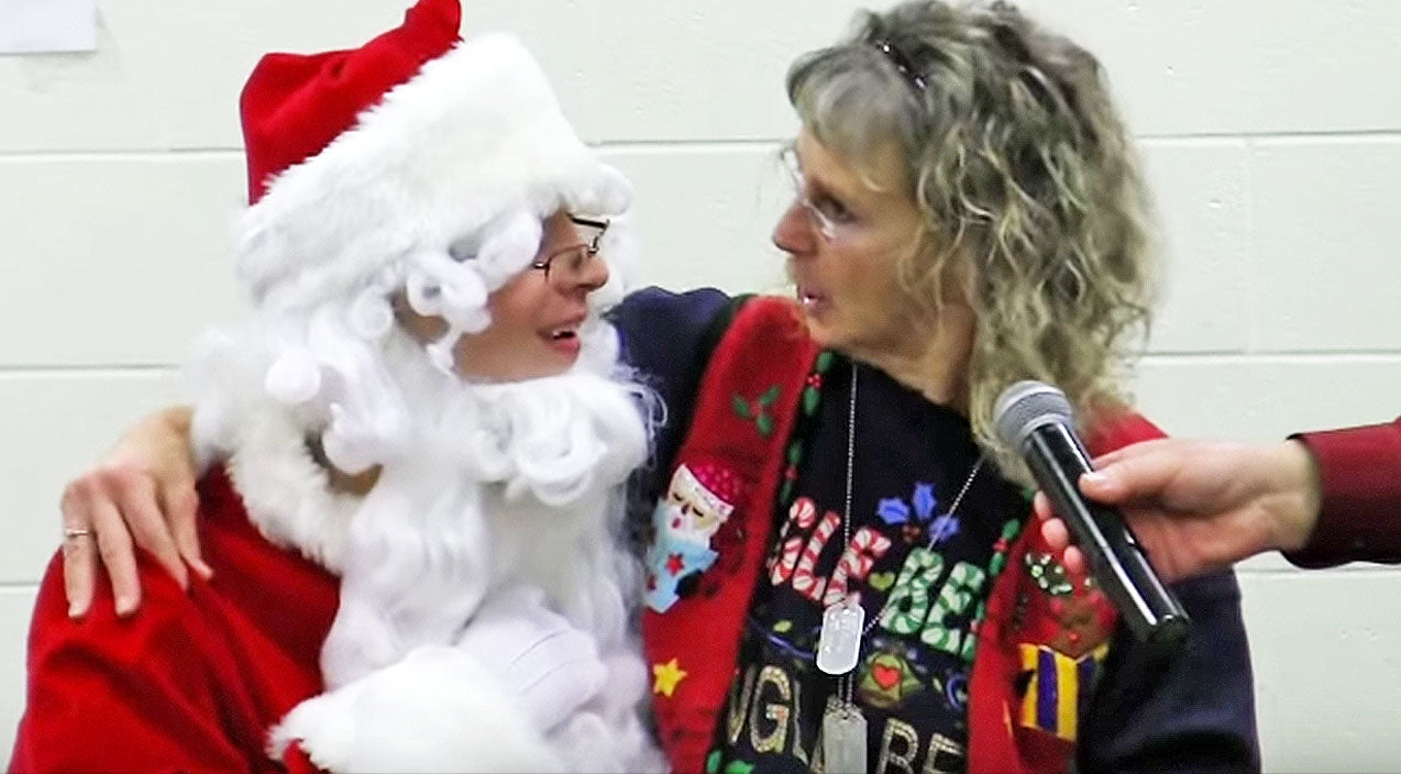 Viral content Songs | Young Soldier Dresses As Santa To Surprise Unsuspecting Mom For Christmas | Country Music Videos
