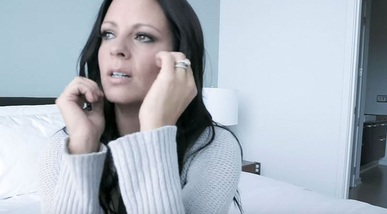 Sara evans Songs | Emotional Sara Evans Talks Devastating Heartbreak In 'A Little Bit Stronger' | Country Music Videos