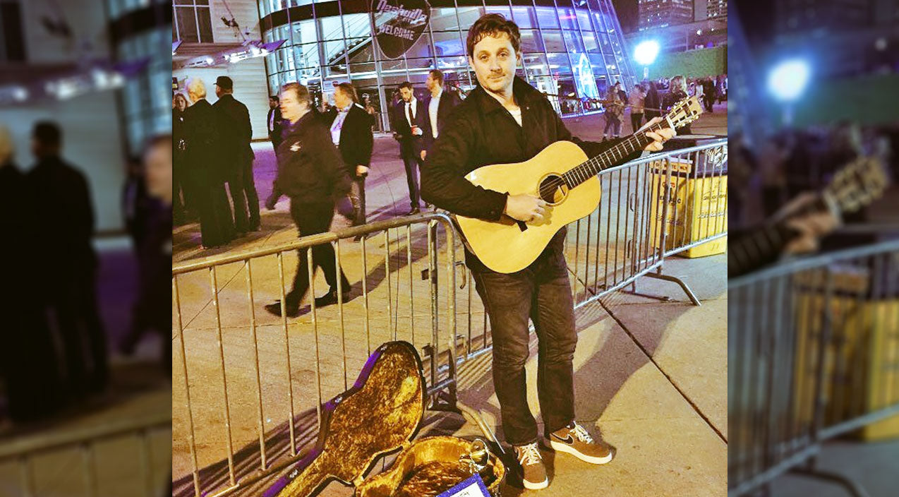 Sturgill simpson Songs | Grammy Winner Goes Almost Completely Unnoticed Playing On Street Outside The CMAs | Country Music Videos