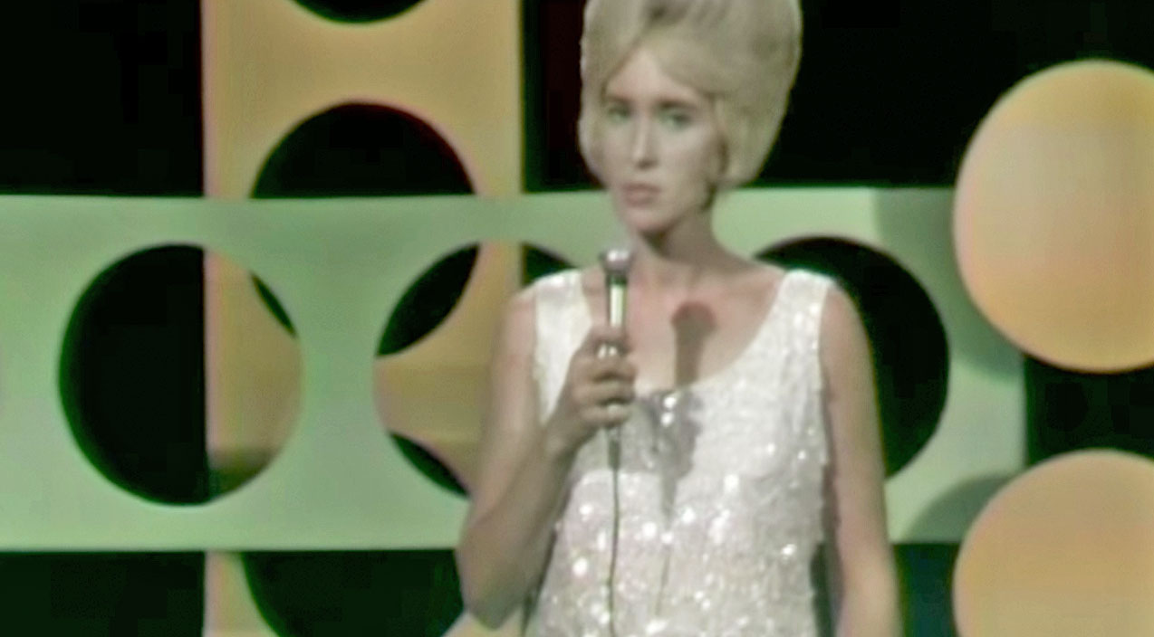 Tammy wynette Songs | Tammy Wynette Tells Heartbreaking Truth Of Divorce With 'I Don't Wanna Play House' | Country Music Videos