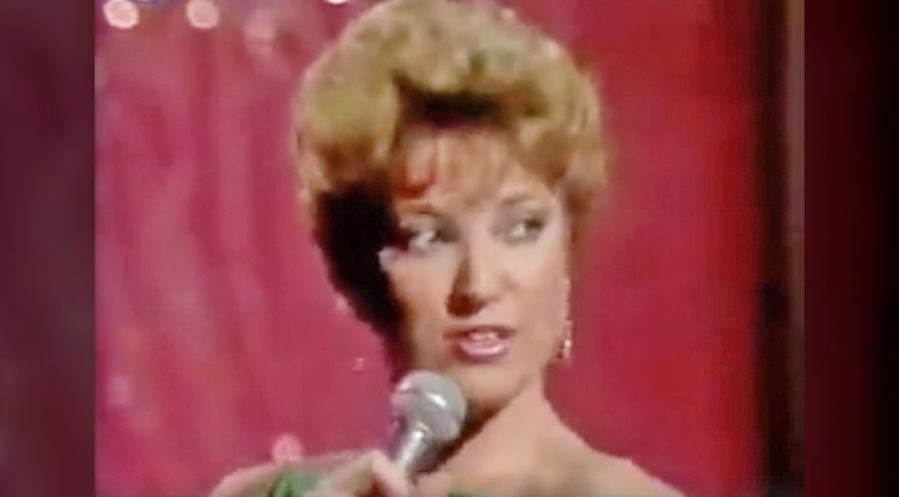 Tanya tucker Songs | A Young Tanya Tucker Delivers Sultry Performance Of Mega-Hit 'Delta Dawn' | Country Music Videos