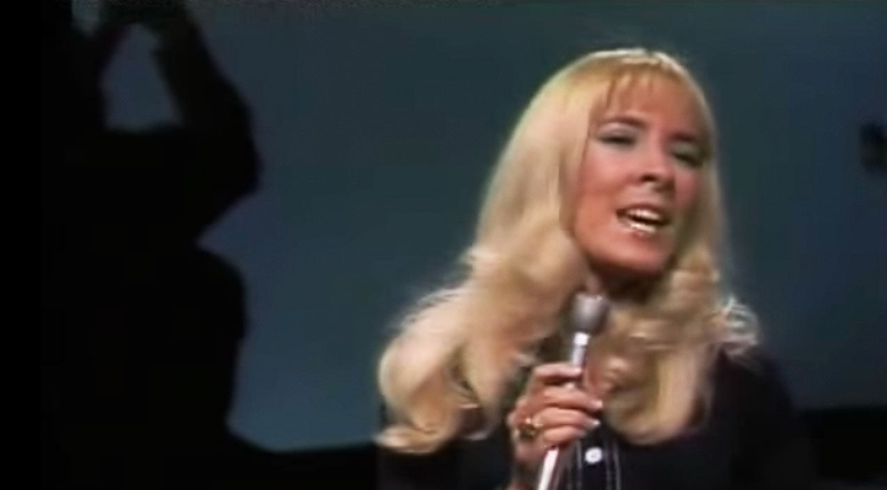 Classic country Songs | Barbara Fairchild Devastates Audience With 'The Teddy Bear Song' | Country Music Videos