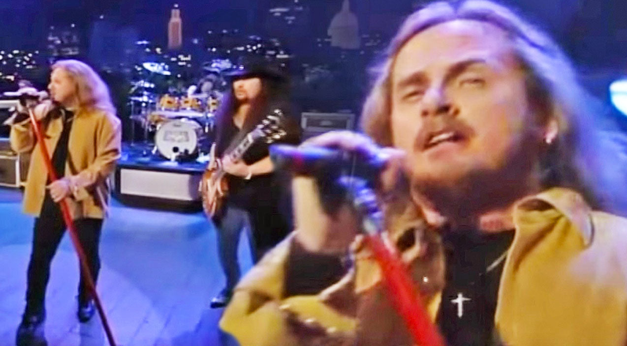 Lynyrd skynyrd Songs | Making A Statement: Skynyrd Bares It All In Gritty Live Performance Of 'Needle And The Spoon' | Country Music Videos