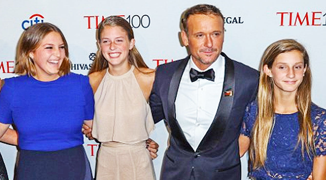 Tim mcgraw 39 s daughters make him sweet gift to celebrate for How old are faith hill s daughters