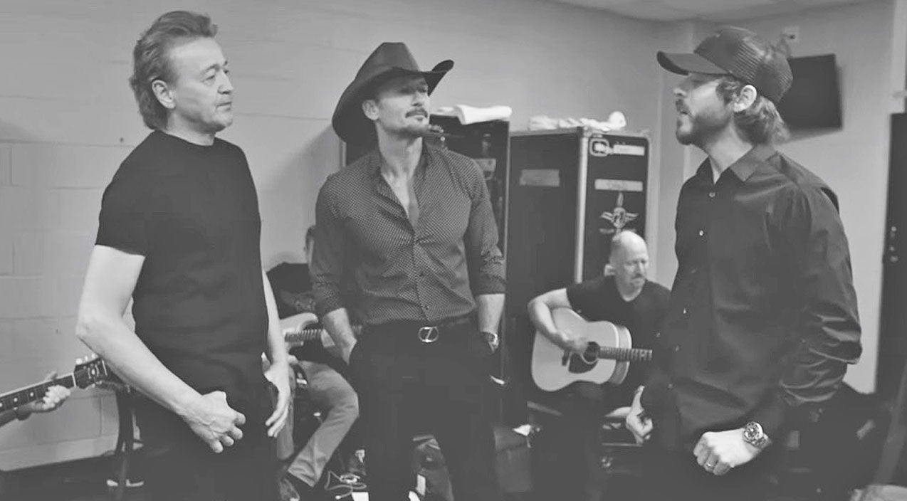 Tim mcgraw Songs | Tim McGraw & Friends Tip Their Hats To Merle Haggard With 'Mama Tried' | Country Music Videos
