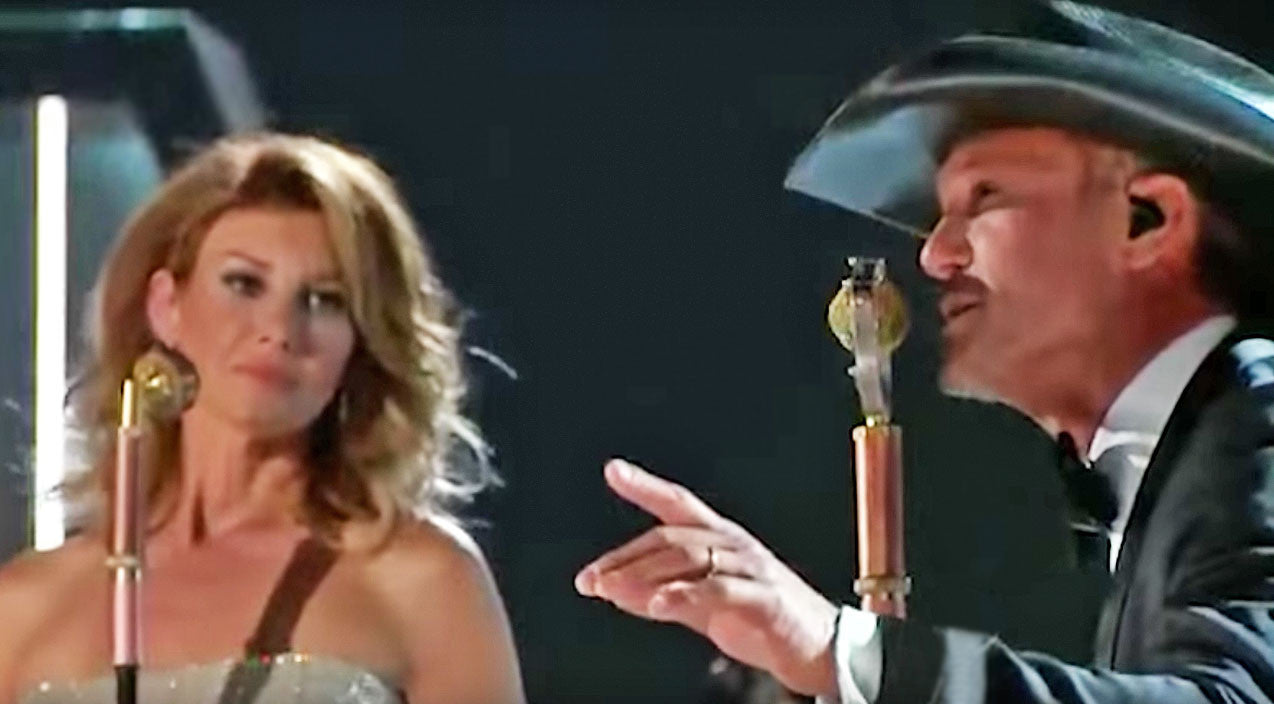 Tim mcgraw Songs | Tim McGraw & Faith Hill Heat Up The ACMs With Tender 'Meanwhile Back At Mama's' Duet | Country Music Videos
