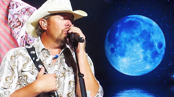 Toby keith Songs | Toby Keith - Does That Blue Moon Ever Shine On You (VIDEO) | Country Music Videos