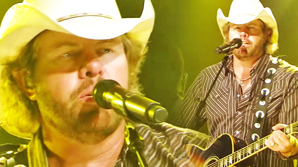 Toby keith Songs | Toby Keith - Trailerhood (LIVE in NYC ) | Country Music Videos