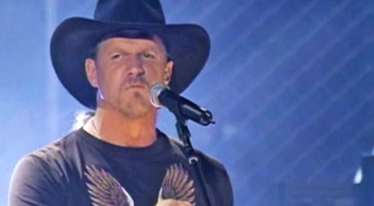 Trace adkins Songs | 'Songs About Me' Shuts Down City Slickers Who Claim Country Music Is Just A 'Hillbilly Thing' | Country Music Videos