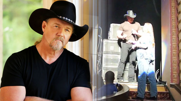 Trace adkins Songs | Funny Autograph Mistake With Trace Adkins and Fan (VIDEO) | Country Music Videos