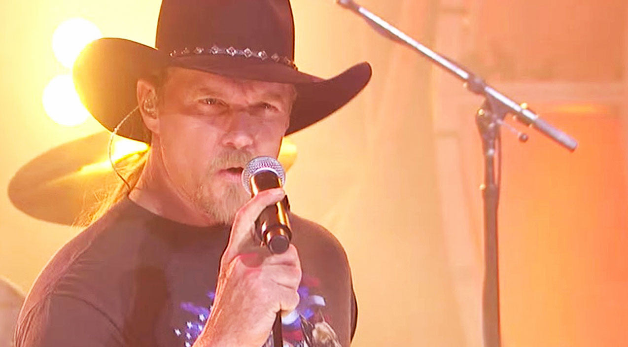 Trace adkins Songs | This Smokin' Hot Performance Of 'Honky Tonk Badonkadonk' Will Leave You Beggin' For More | Country Music Videos