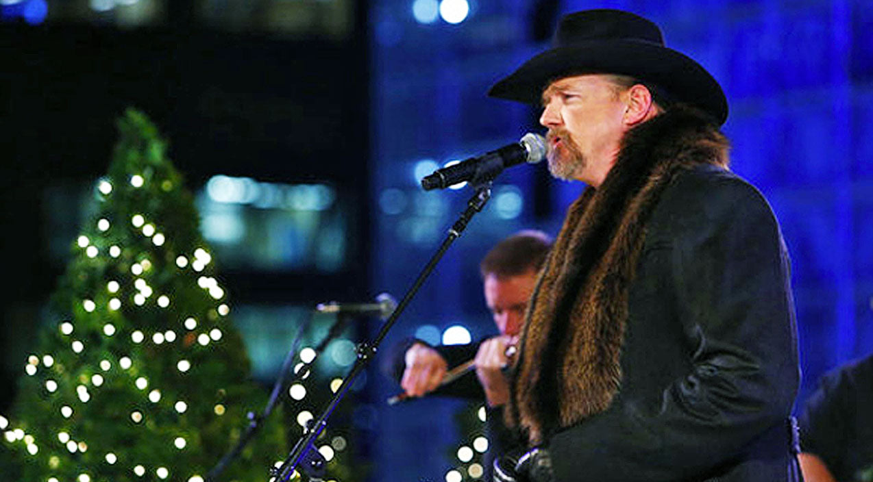 Trace adkins Songs | Let Trace Adkins Kick Off Your Christmas With His Magical Rendition Of 'The Christmas Song' | Country Music Videos