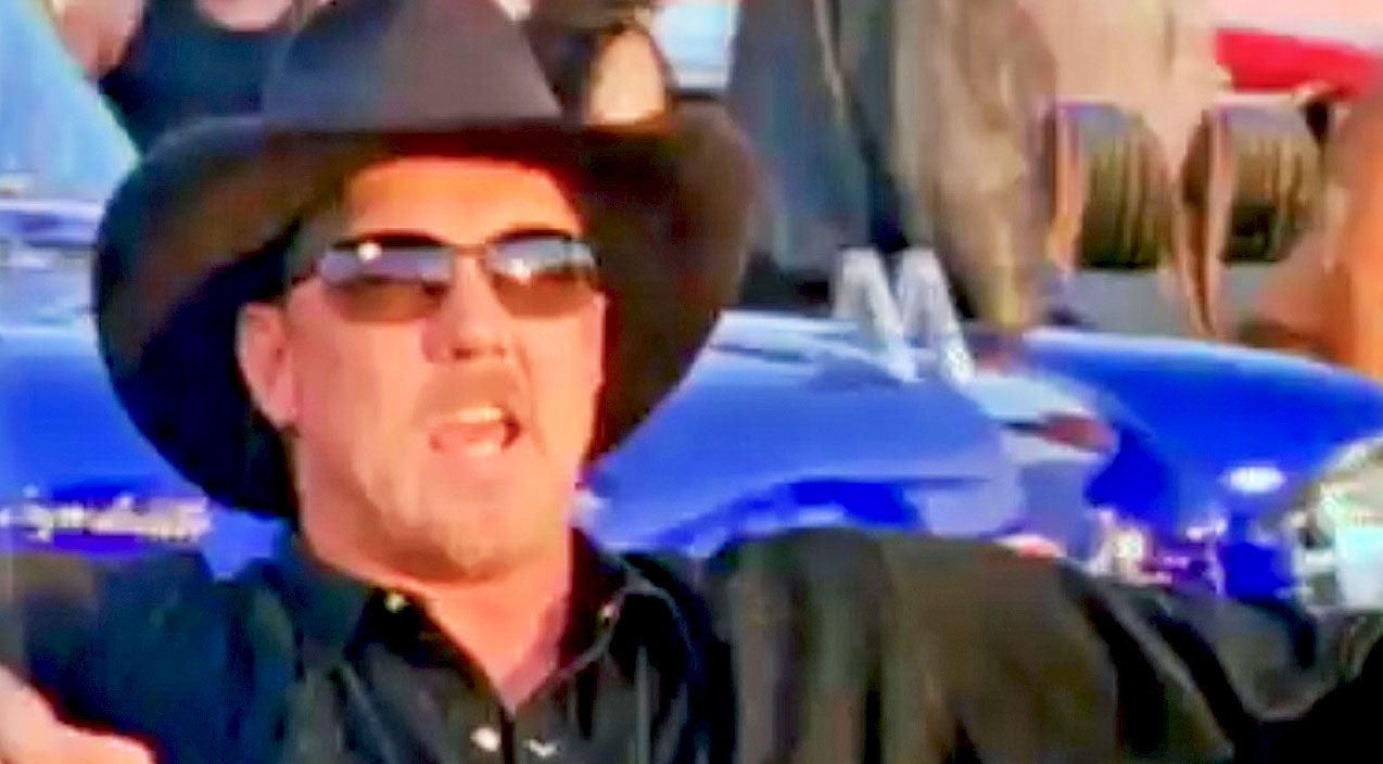 Trace adkins Songs   Flashy Cars & A Country Star: Trace Adkins Hypnotizes With The Glitz & Glam Of 'Chrome'   Country Music Videos