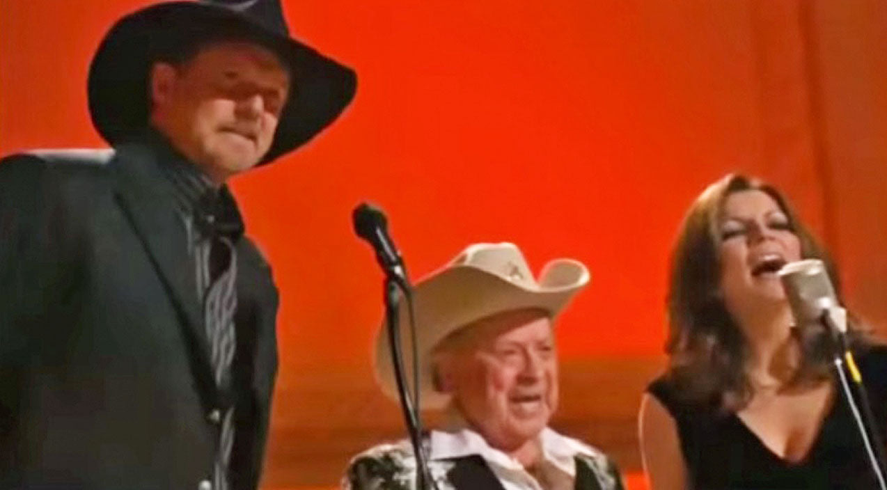 Trace adkins Songs | With Famous Friends, Trace Adkins Sings Spectacular Mashup Of Beloved Gospel Songs | Country Music Videos