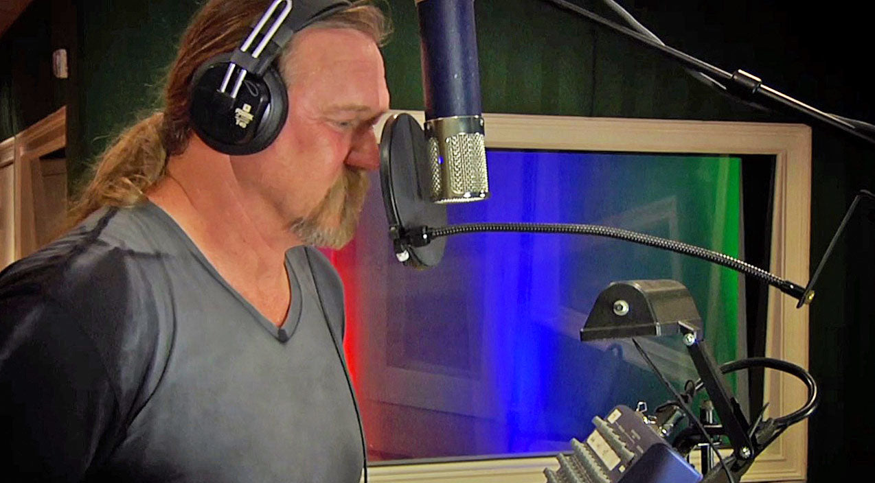 Trace adkins Songs | Trace Adkins Joins Country Legends For Gospel Collaboration That Will Have You Yelling Hallelujah | Country Music Videos