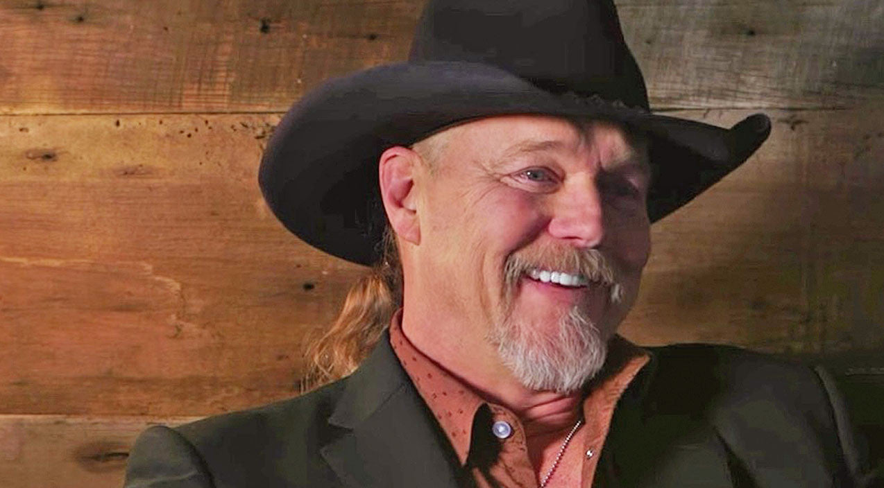 Trace adkins Songs | Trace Can't Help But Smile While Chatting About The 'Fun' Track On 'Something's Going On' | Country Music Videos