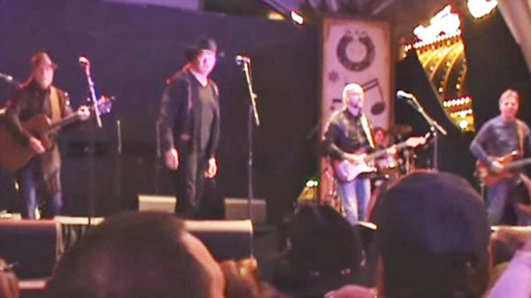 Trace adkins Songs | Trace Adkins and Exile - Kiss You All Over (LIVE Las Vegas) (VIDEO) | Country Music Videos