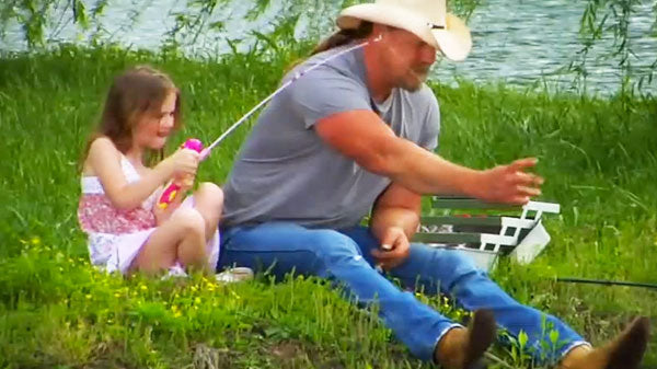 Trace adkins Songs | Trace Adkins - Just Fishin' (Behind The Scenes) (WATCH) | Country Music Videos