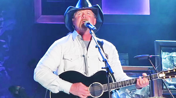 Trace adkins Songs | Trace Adkins - Every Light In The House (LIVE) (VIDEO) | Country Music Videos
