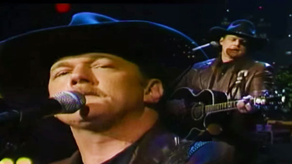 Trace adkins Songs | Trace Adkins - Nothing But Tail Light | Country Music Videos
