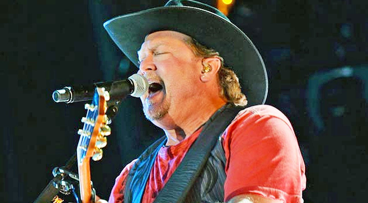 Tracy lawrence Songs | How Tracy Lawrence Changed Country Music With His One Of A Kind Voice | Country Music Videos