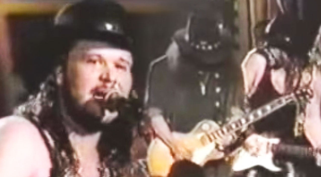 Travis tritt Songs | Country Superstar Travis Tritt & Gary Rossington Are An Unstoppable Force On 'Call Me The Breeze' | Country Music Videos