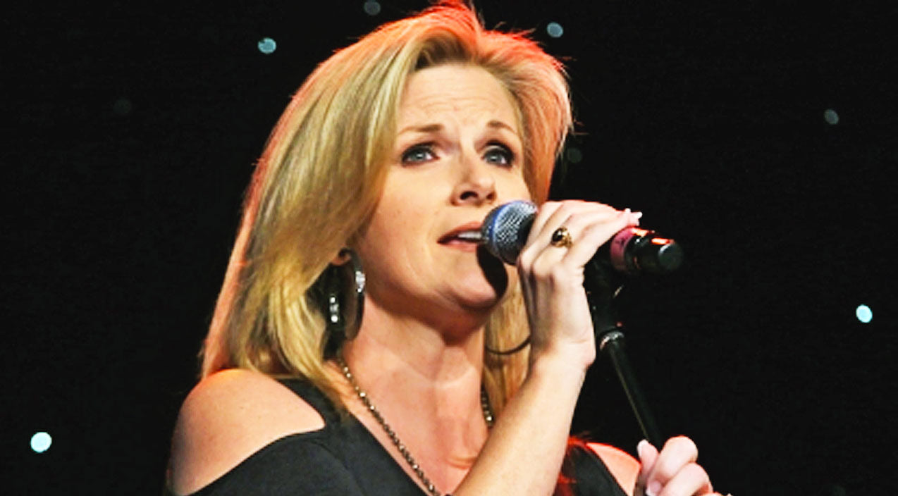 Trisha yearwood Songs | Trisha Yearwood Makes The World Fall In Love With Heartfelt Ballad 'How Do I Live' | Country Music Videos