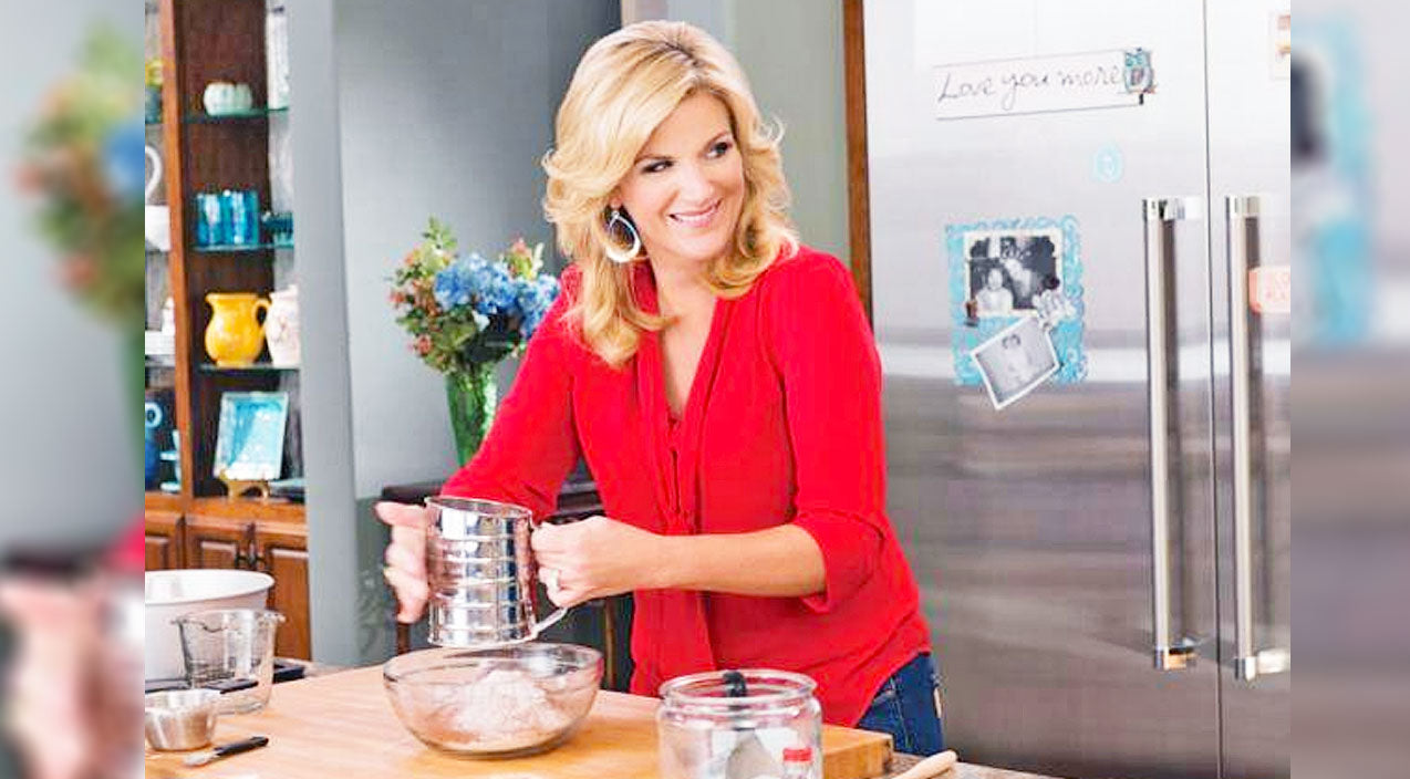 Trisha yearwood Songs | Kick Off Your Weekend Party With Trisha Yearwood's Flamin' Hot Jalapeño Hushpuppies | Country Music Videos
