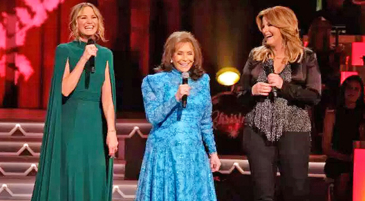 Loretta Lynn Joins Trisha Yearwood & Jennifer Nettles For Heavenly ...