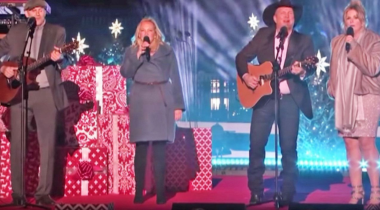 Trisha yearwood Songs | Garth & Trisha Team Up With James Taylor For Tear-Jerking Holiday Performance | Country Music Videos