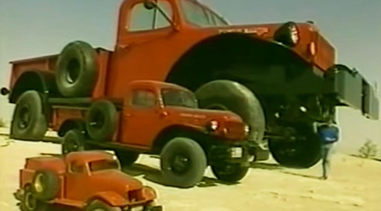 Y'all Won't Believe What's Inside The World's Biggest Pick-Up Truck   Country Music Videos