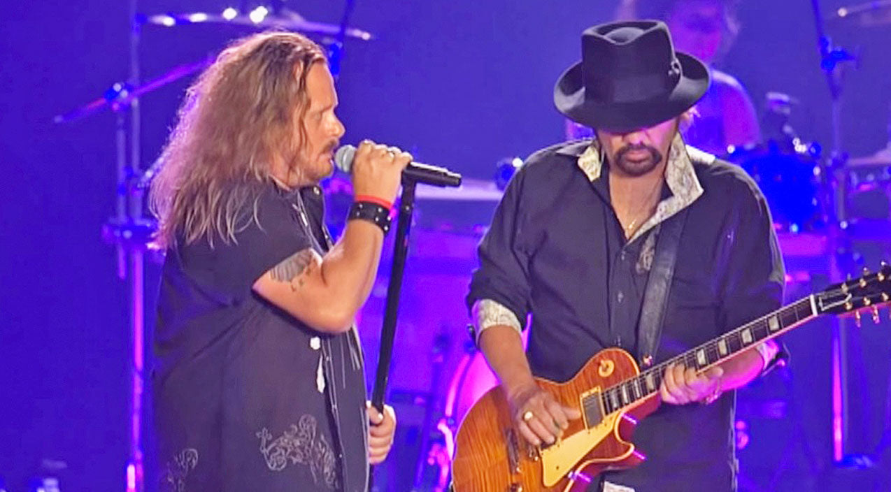 Lynyrd skynyrd Songs | This Live Performance Of 'Tuesday's Gone' At Freedom Hall Will Leave You At A Loss For Words | Country Music Videos